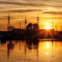 Панорама заката над озером :: Анатолий Клепешнёв