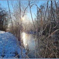 Ещё по-зимнему красиво... Но солнышко уже весеннее... :: Лариса Масалкова