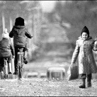 Весенняя улица :: Меднов Влад Меднов