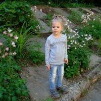 В садике.домой не торопится. :: Елизавета Успенская