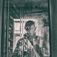 производственный автопортрет :: Paul B.