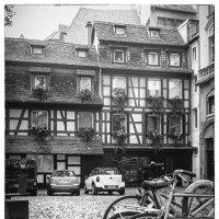 Страсбургский дворик :: Константин Подольский