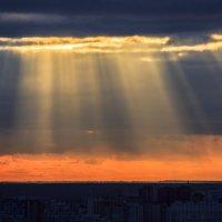 Рассвет над левобережьем :: Олег