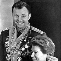 Они были первыми  в космосе. :: Юрий Велицкий