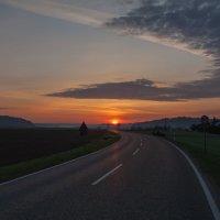 по дороге с облаками :: vladimir
