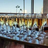 """""""Я пью шампанское только в двух случаях — когда я влюблена и когда не влюблена.» — Коко Шанель :: Надежда"""
