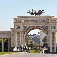 О дворце шейха и резвых скакунах :: Валерий Готлиб