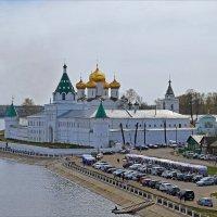 Свято-Троицкий Ипатьевский мужской монастырь в Костроме :: Нина Синица