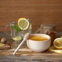 Натюрморт с медом и лимонами :: Ольга Касьянова