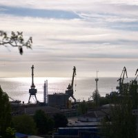 Утренний вид в сторону порта :: Константин Бобинский