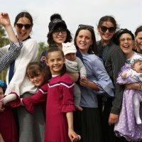 Веселая и дружная семья! :: Евгений