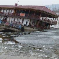 Кафе 919 после ледохода :: Raduzka (Надежда Веркина)