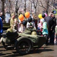 На параде 9 мая :: Нэля Лысенко