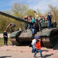 Во все века в войну играют дети.. :: Андрей Заломленков