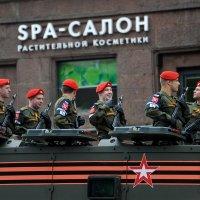 Перед репетицией парада :: Сергей Золотавин