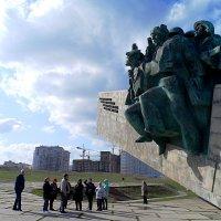 Мемориальный комплекс «Малая земля», расположенный на Суджукской косе :: Галина