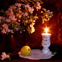 Цветущих яблонь аромат... :: Нэля Лысенко