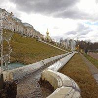 Весеннее Петергофское Водостояние :: tipchik