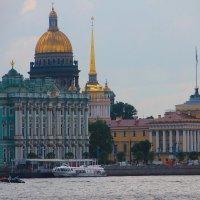 Взгляд из Петропавловской крепости... :: Tatiana Markova