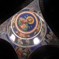 В церкви Илии Пророка. :: Светлана Хращевская
