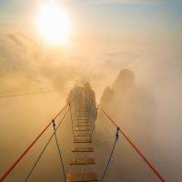 Подвесной мост на Ай-Петри :: Сергей Титов