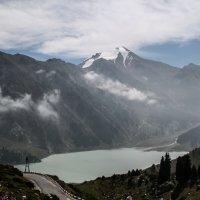 Большое Алматинское озеро :: Любовь