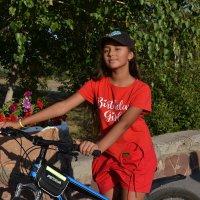 Девчонка,с  нашего двора... :: Георгиевич