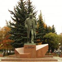 Памятник С.П.Королеву в г.Королеве :: Александр