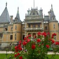 Массандровский дворец в окрестностях Ялты :: Татьяна