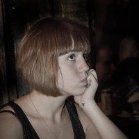Девушка в черном :: Виталий Латышонок
