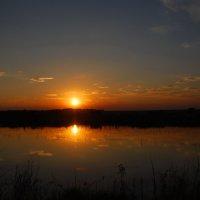 Закат над озером :: Татьяна Аистова
