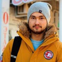Люди на улице :: Элина Лисицына