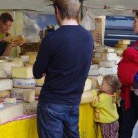 Покупка сыра- дело важное для всей семьи! :: Наталья Осипова(Копраненкова)