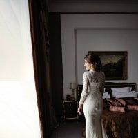 невеста в отеле... :: Батик Табуев