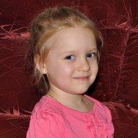 Моя дорогая внучка Настя :: Виктор Филиппов