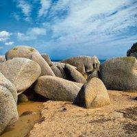 Камни бухты Окуневая :: Boris Khershberg