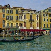Венеция. Главное развлечение - катание на гондоле. :: Аркадий Беляков