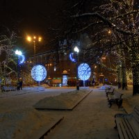 Вечерние огни Суворовского бульвара... :: Anatoley Lunov