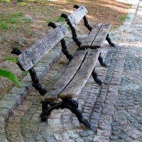 старинные скамейки :: юрий иванов
