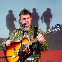 сменив автомат на гитару :: Сергей Кочнев