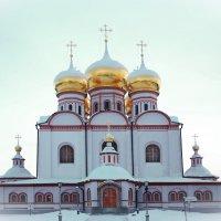 валдайские зарисовки (главный храм иверского монастыря) :: юрий макаров