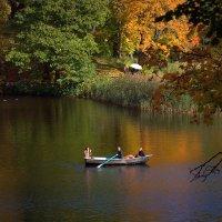 Осень в Ломоносове :: виктория Скрыльникова