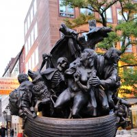 Памятник о недопустимости войны. Нюрнберг. :: Leonid Volodko