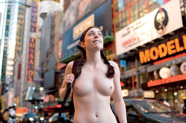 фото з голыми девушками