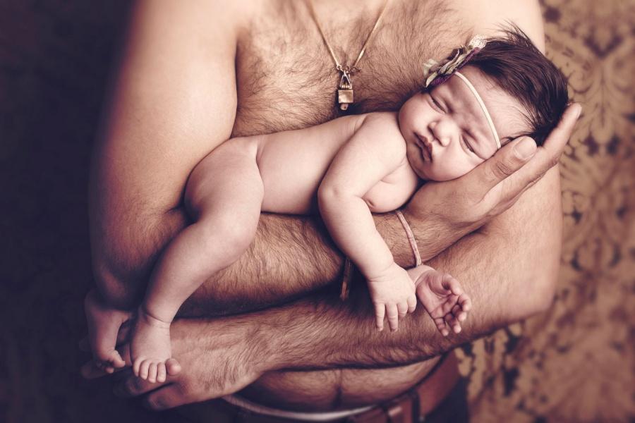 папа трахає свою дочь