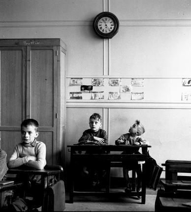 Робер Дуано. Школьные часы, 1956. © Atelier Robert Doisneau