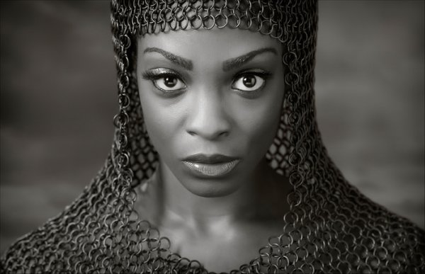 Chainmail Beauty © Ross McKelvey