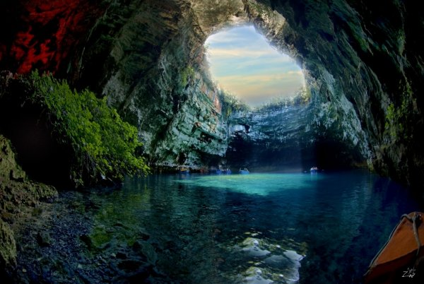 самые захватывающие места в мире - Пещера Мелиссани, остров Кефалония, Греция