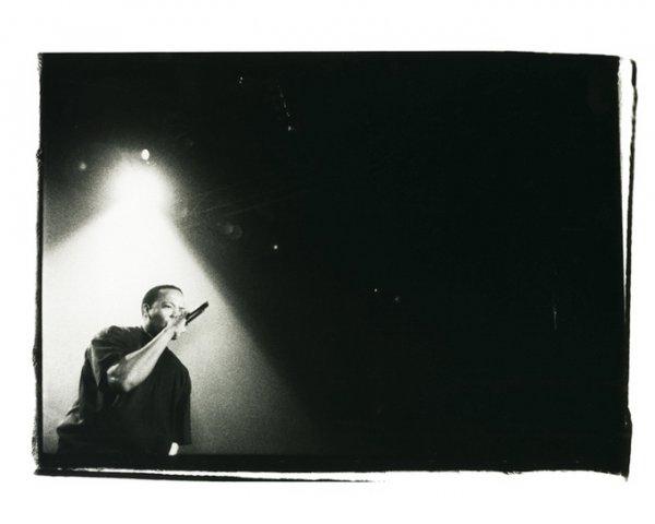 черно-белые портреты знаменитостей – Доктор Дре (Dr Dre)
