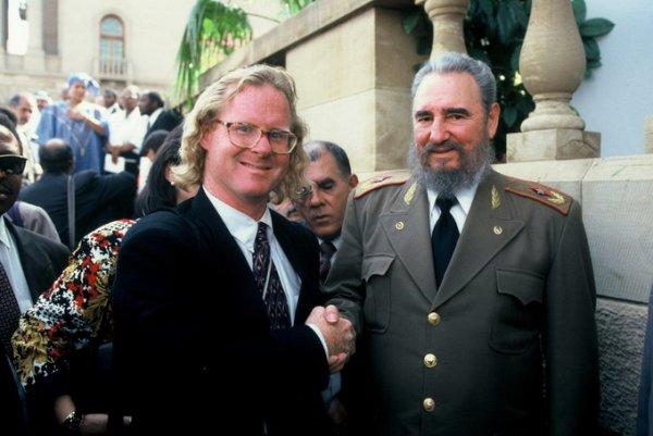 Питер Тернли (Peter Turnley) и Фидель Кастро (Fidel Castro) в Кейптауне, 1994